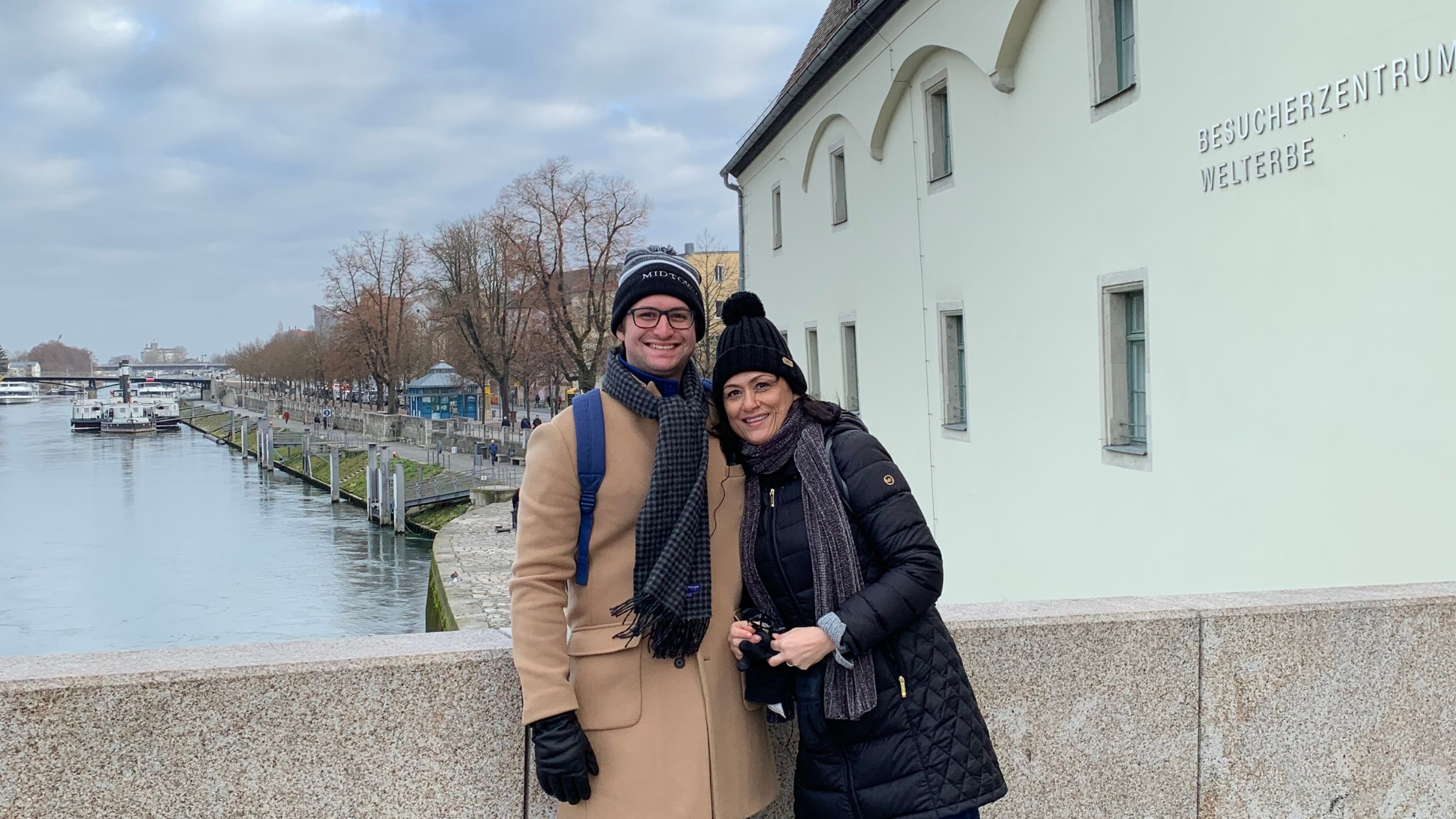 Amazing Christmas Market River Cruise Down The Danube!